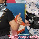 Khách hàng nữ dùng thử đai lưng đai cổ DiskDr