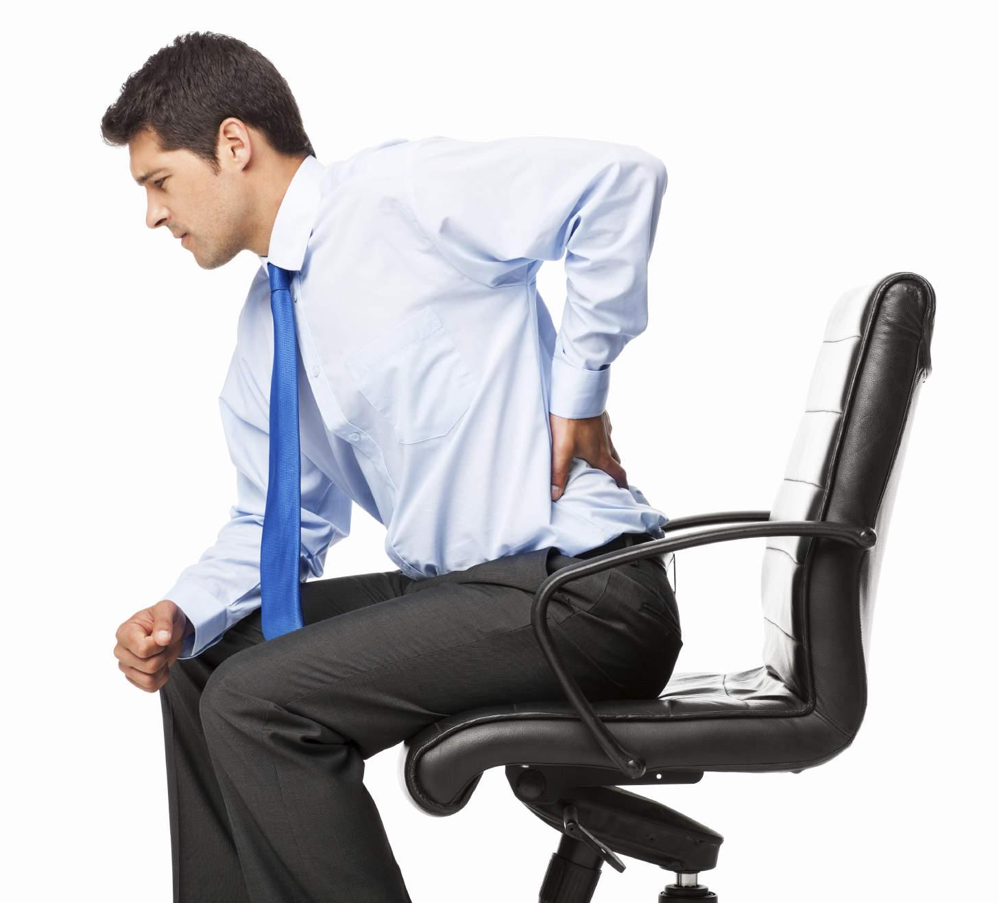 Kéo giãn cột sống giúp điều trị đau mỏi lưng hiệu quả
