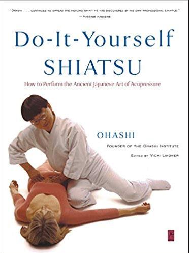 Một cuốn sách dạy về phương pháp Shiatsu Nhật Bản