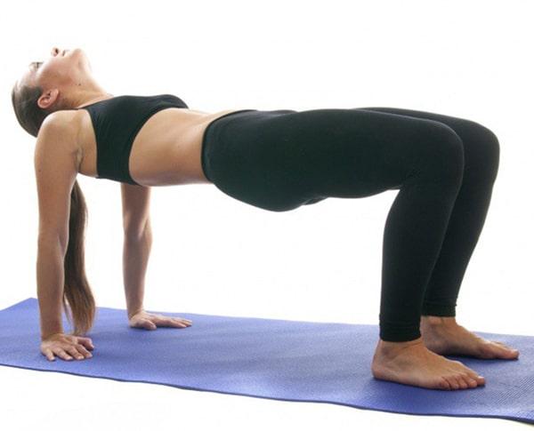 Điều trị đau lưng bằng bài tập tư thế cái bàn