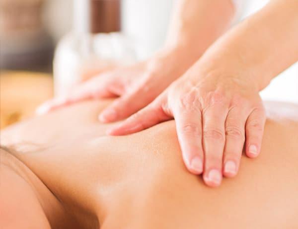 Một số nhược điểm của phương pháp bấm huyệt chữa đau lưng