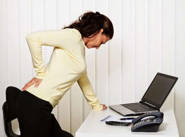Bệnh đau lưng cấp dễ gặp ở người trưởng thành