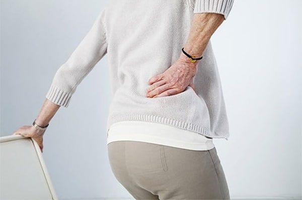 Tuổi tác là nguyên nhân thoát vị đĩa đệm cột sống thắt lưng