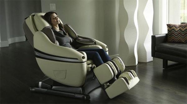 Ghế massage giúp tư thế ngồi thoải mái cho người thoát vị đĩa đệm