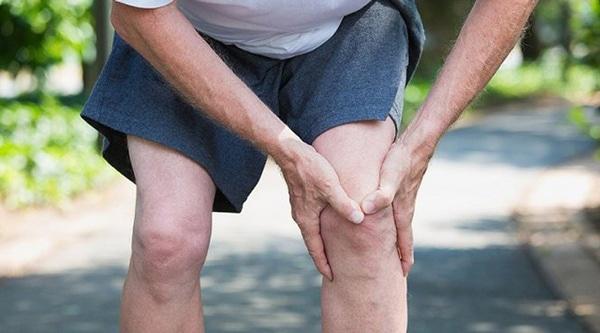 Đau chân là biểu hiện của bệnh thoát vị đĩa đệm