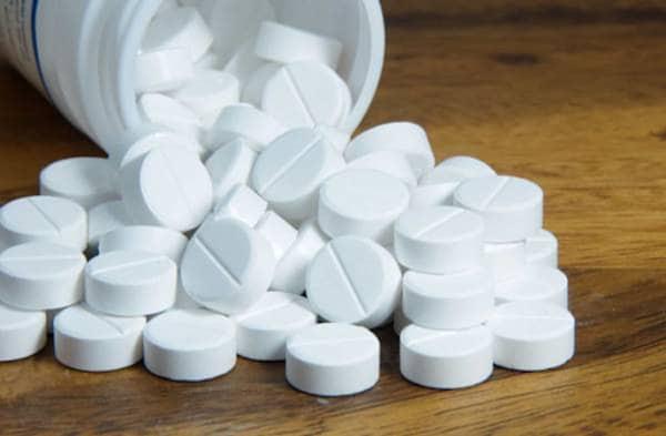 Điều trị thoát vị đĩa đệm bằng thuốc Tây y