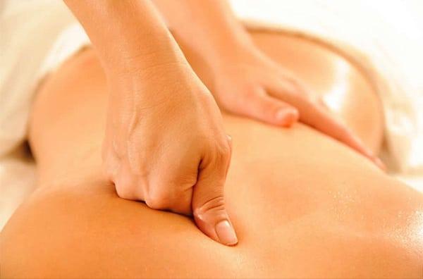 Massage chữa thoát vị đĩa đệm