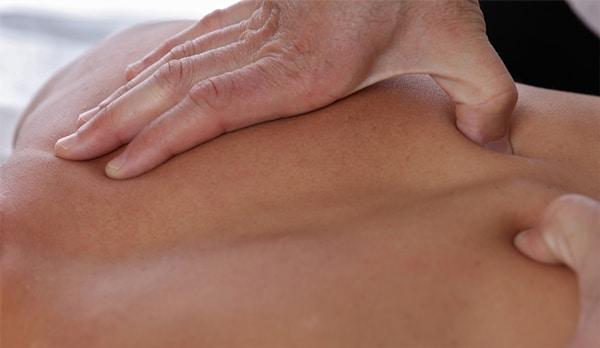 Phương pháp bấm huyệt điều trị thoat vị đĩa đệm