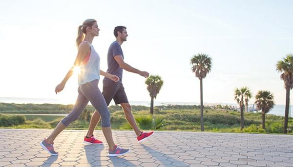 Đi bộ buổi sáng có tác dụng hỗ trợ điều trị thoát vị đĩa đệm