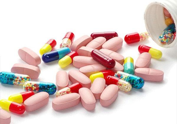 Thuốc Tây Y giúp làm giảm nhanh các cơn đau do thoát vị đĩa đệm gây ra
