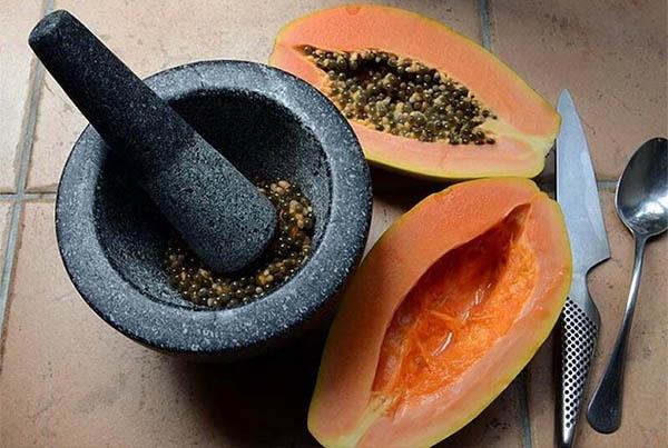 Hạt đu đủ có tác dụng chữa thoát vị đĩa đệm