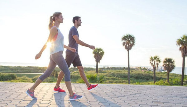 Đi bộ đúng cách giúp chữa thoát vị đĩa đệm hiệu quả