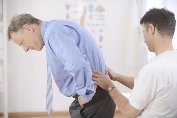 Bệnh nhân nên đi khám chuyên khoa để các bác sĩ chỉ định phương pháp điều trị bệnh phù hợp