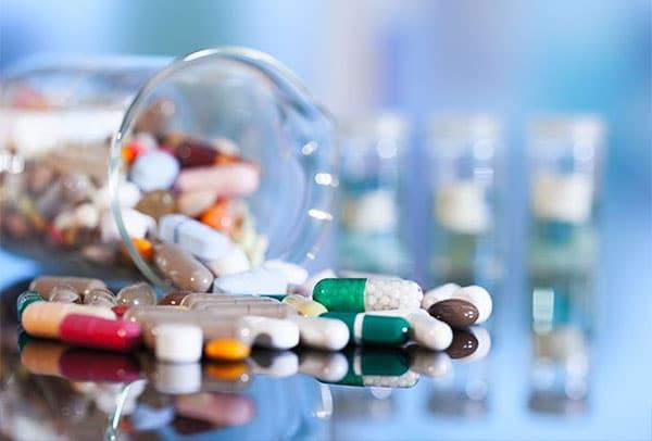 Các loại thuốc Tây có tác dụng làm giảm nhanh các cơn đau thoát vị