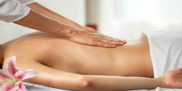 massage điều trị đau lưng