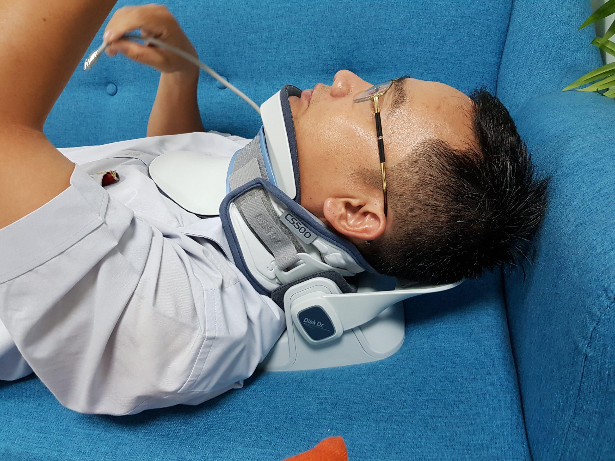Đai kéo giãn DiskDr khắc phục được nhược điểm của máy kéo giãn và thuận tiện cho người bệnh
