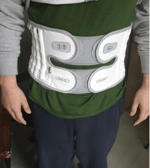 Nên mua và sử dụng đai cột sống để điều trị đau lưng