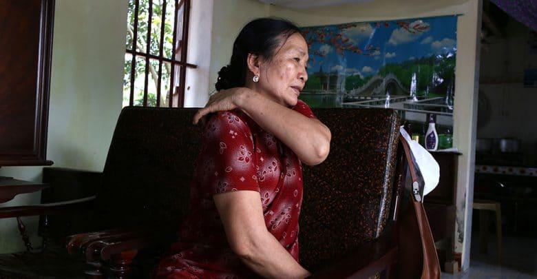 Chứng đau khớp cổ mãn tính phổ biến ở người cao tuổi