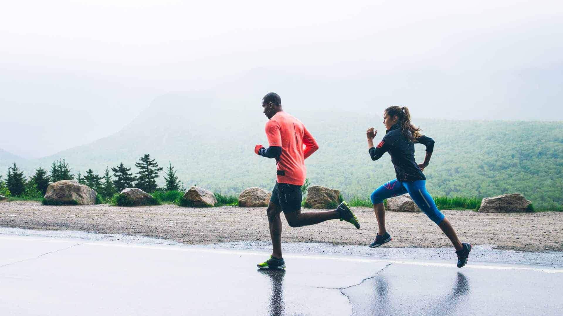 Nên tập chạy bền thường xuyên để bảo vệ khớp gối