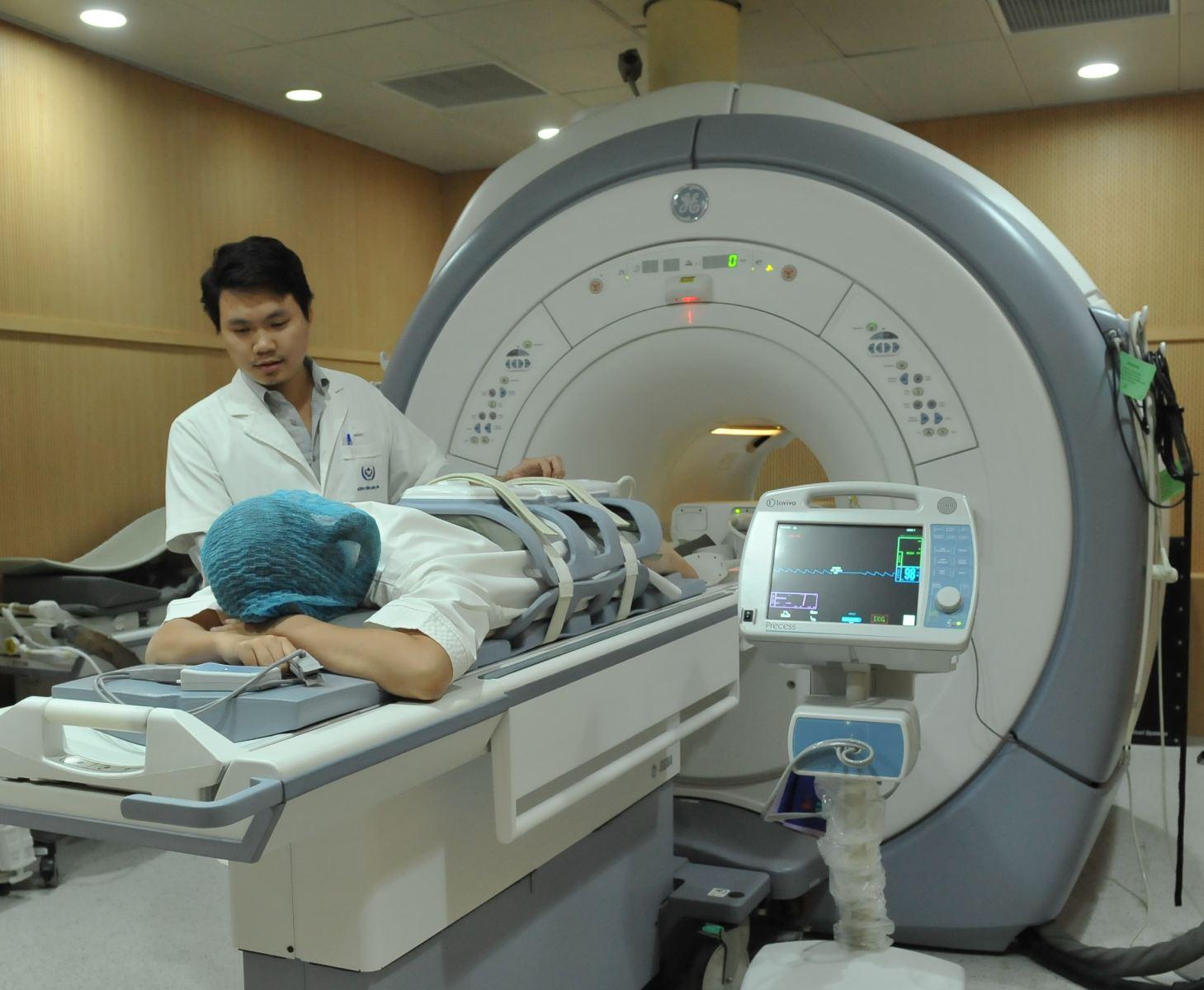 Chụp cộng hưởng từ MRI để phát hiện thoát vị đĩa đệm