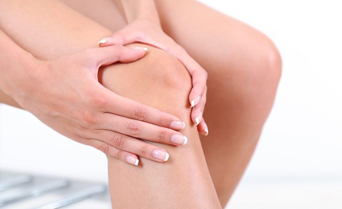 Massage đầu gối để giảm nhanh cơn đau