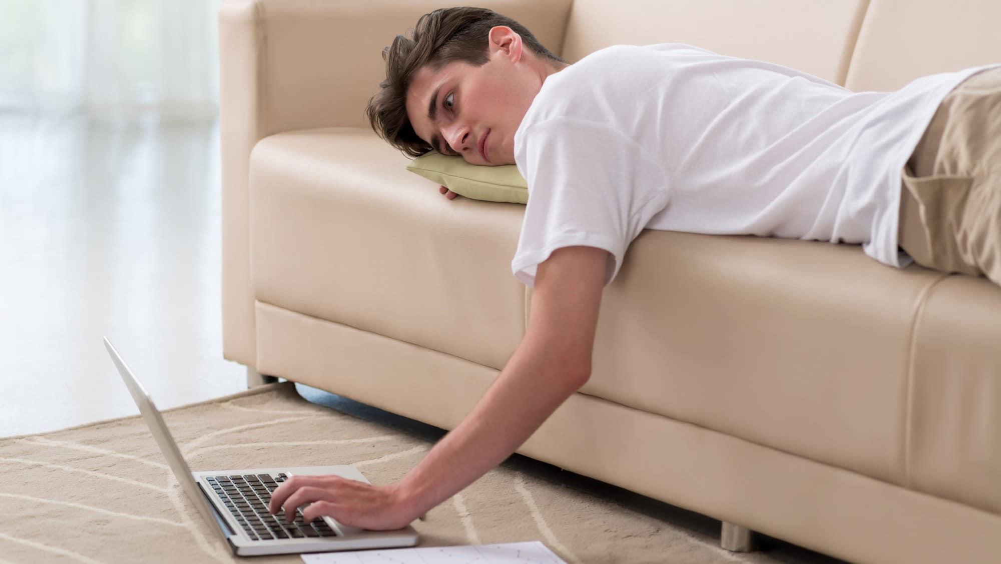 Lười vận động có thể là nguyên nhân khiến khớp gối bị đau nhức
