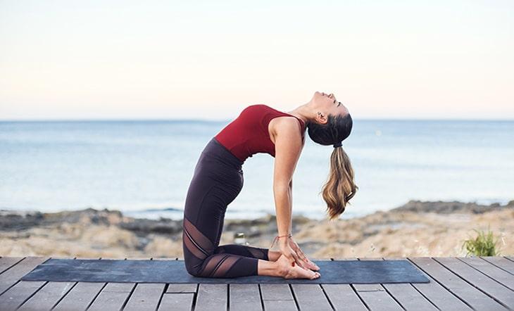 Tập luyện yoga đúng cách để bảo vệ khớp gối