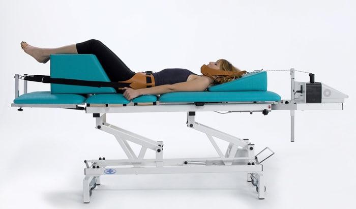 Kéo giãn đang là phương pháp được lựa chọn nhiều trong điều trị đau cổ vai gáy