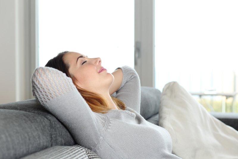 Máy kéo giãn cột sống giúp giải tỏa căng thẳng, giúp bạn có những giấc ngủ sâu hơn